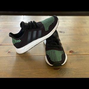 Adidas Swift Run Black/Lime
